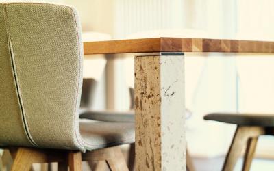 Ganz neu – und eigentlich steinalt.  Exklusive Designermöbel aus Stein, made in Franken.